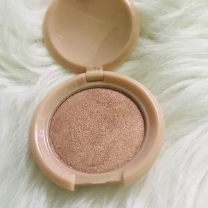 Other - IBY radiant Glow highlighter💕